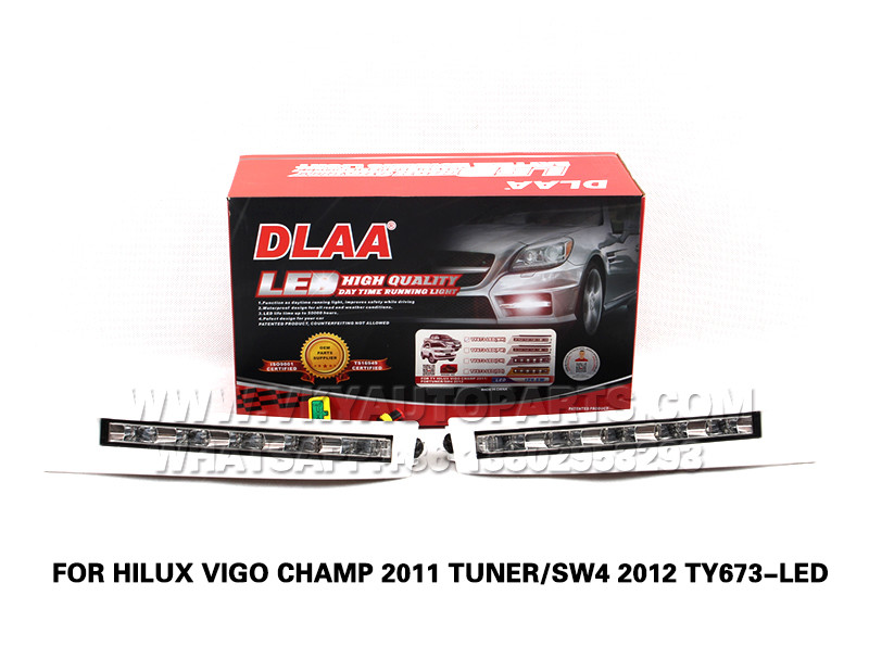 DLAA drl led daytime running lights  Fog Lamps front Set Bumper Lights FOR HILUX VIGO CHAMP 2011 TUNER SW4 2012 TY673-LED